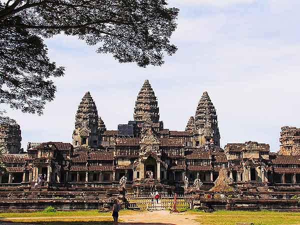 https://www.viajedechina.com/pic/asia-cover-pic/cambodia/angkor-wat-01.jpg
