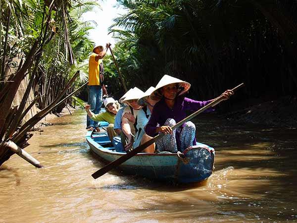 https://www.viajedechina.com/pic/asia-cover-pic/vietnam/mekong-river-03.jpg
