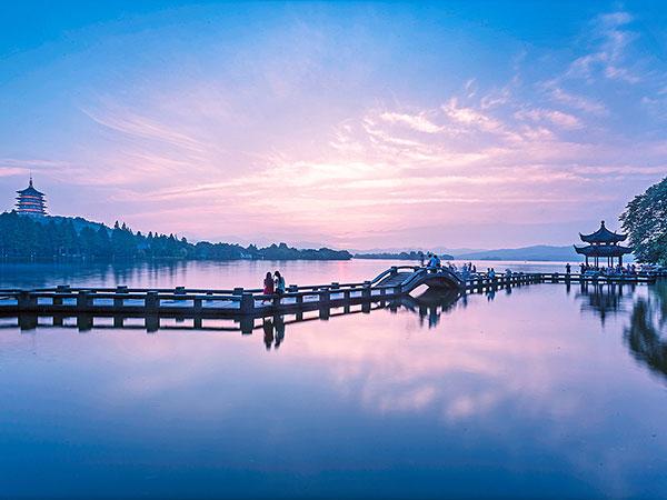 Lago del Oeste