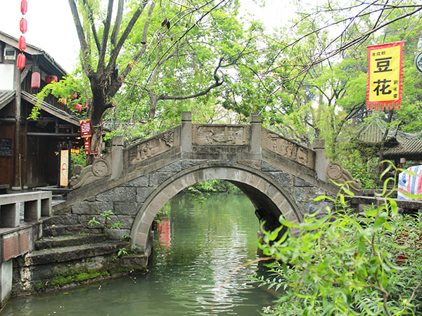 https://www.viajedechina.com/pic/city/chengdu/attractions/jinli-old-street-07.jpg