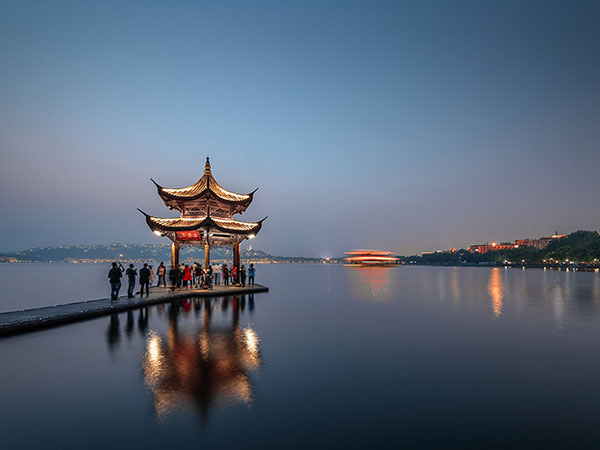https://www.viajedechina.com/pic/city/hangzhou/attractions/West-Lake-24.jpg