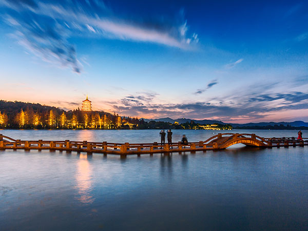 https://www.viajedechina.com/pic/city/hangzhou/hangzhou-city-view-8.jpg