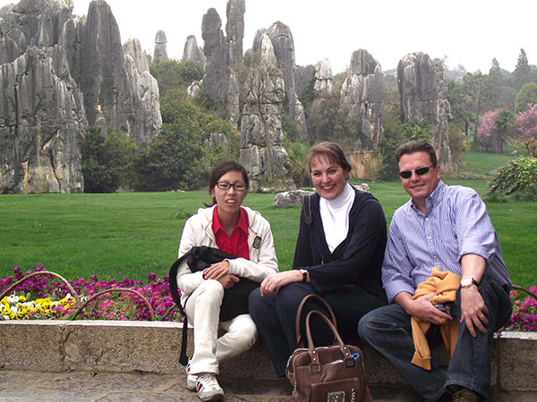 https://www.viajedechina.com/pic/city/kunming/clients/tct-clients-stone-forest-05.jpg