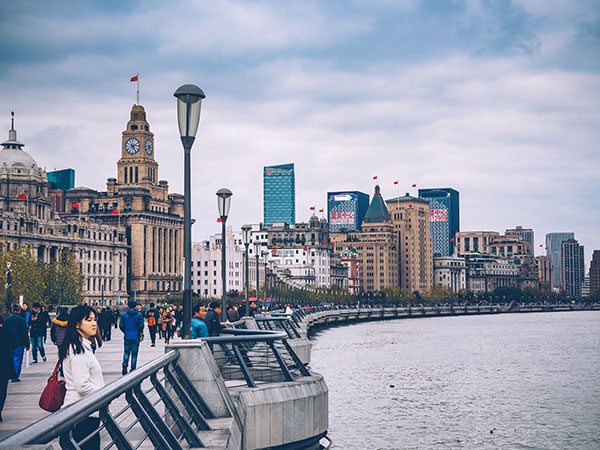 https://www.viajedechina.com/pic/city/shanghai/attractions/the-bund-16.jpg