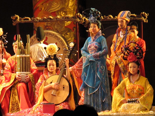 Enjoy-Tang-Dynasty-Show-with-Dinner-6