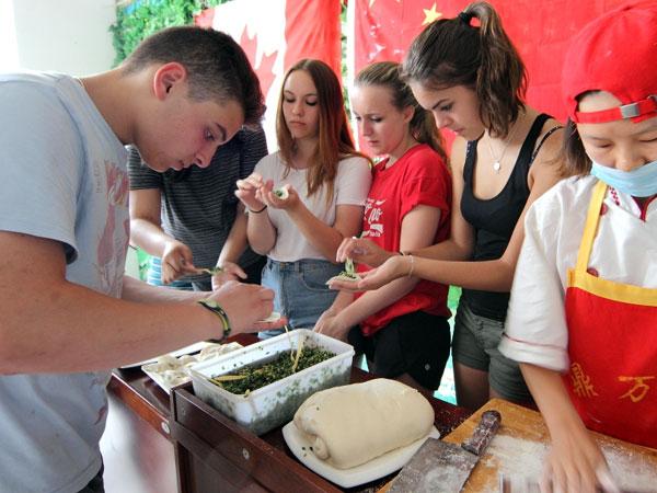 Make-Chinese-dumplings-3