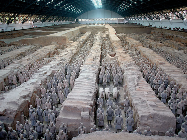 https://www.viajedechina.com/pic/city/xian/attractions/Qin-Terracotta-Army-3.JPG