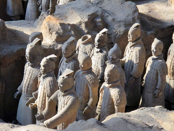 https://www.viajedechina.com/pic/city/xian/attractions/qin-terracotta-army-13.jpg