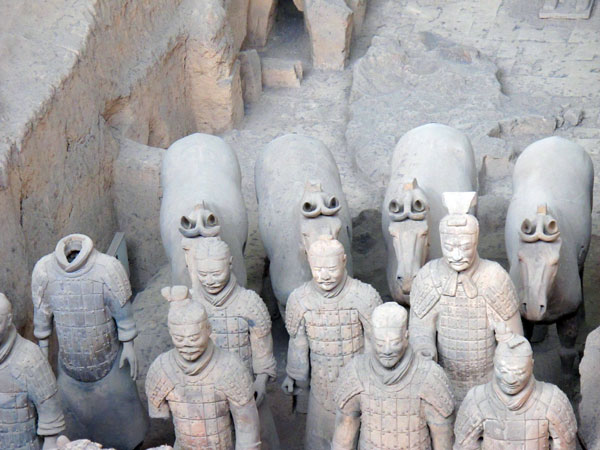 https://www.viajedechina.com/pic/city/xian/attractions/qin-terracotta-army-17.jpg