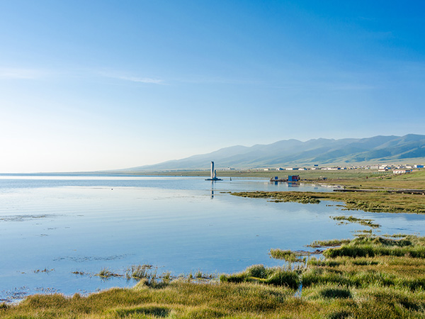 https://www.viajedechina.com/pic/city/xining/attractions/Qinghai-Lake-1.jpg