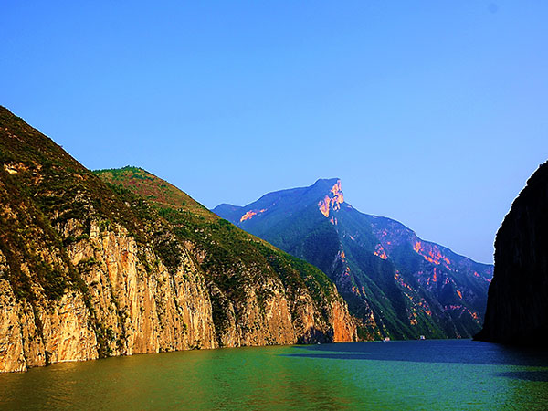 https://www.viajedechina.com/pic/city/yangtze-river/attractions/lesser-three-gorges-1.jpg