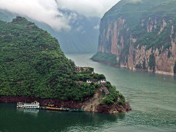 https://www.viajedechina.com/pic/city/yangtze-river/attractions/qutang-gorge-10.jpg