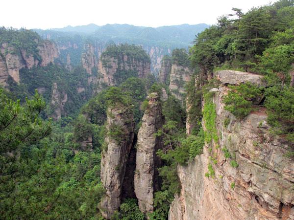 https://www.viajedechina.com/pic/city/zhangjiajie/attractions/huangshi-village-04.jpg
