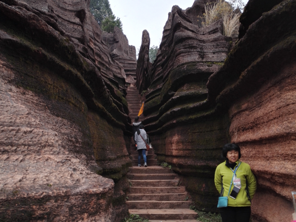 https://www.viajedechina.com/pic/city/zhangjiajie/attractions/red-stone-forest-national-geological-park-05.jpg
